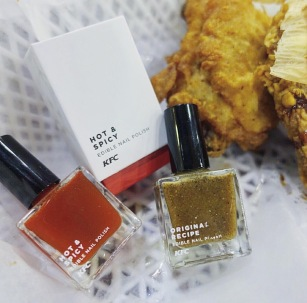 KFC laca uñas sabor pollo